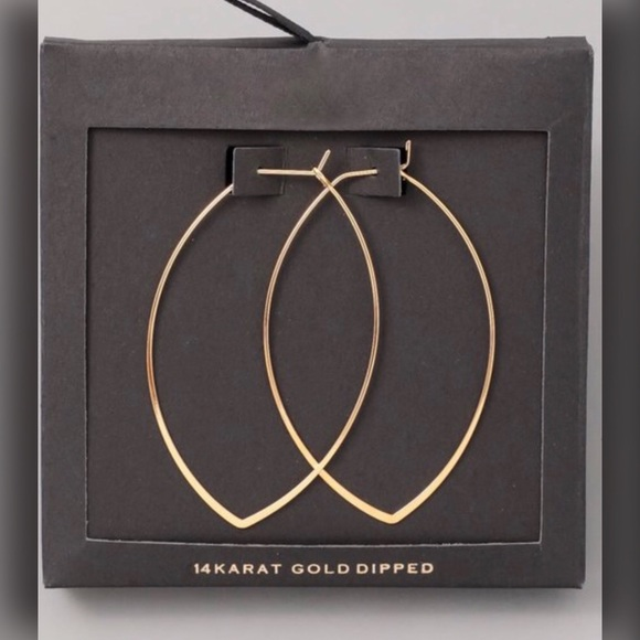 ♨️ Sale! 14K Gold Dipped Triangular Hoop Earrings Boutique